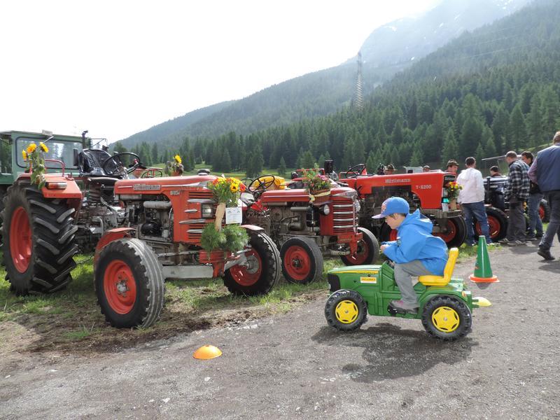 3. Traktoren-Oldtimertreff